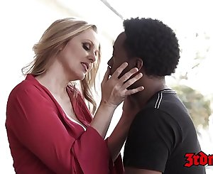 Goddess Julia Ann stuffing pussy with youthfull BBC